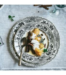 Peras al azafrán con crema dulce de parmesano