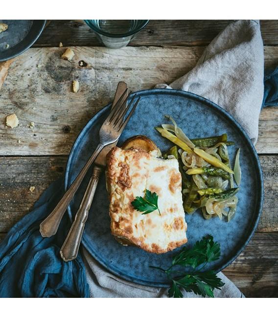 Bacalao gratinado, con espárragos trigueros y verduras de la huerta