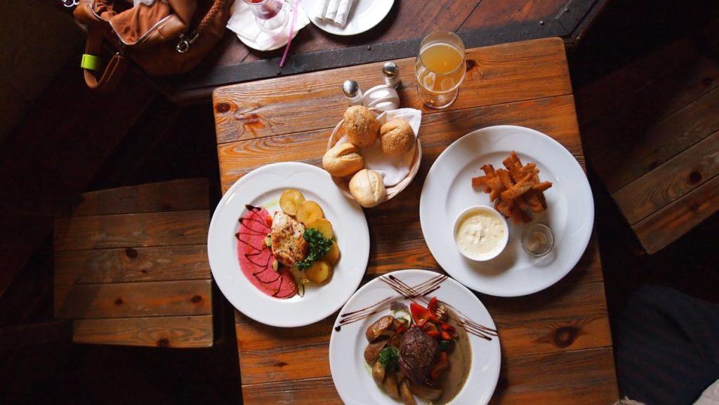 cena informal con amigos miplato