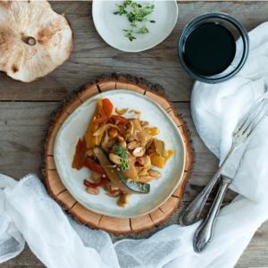 wok de verduras con soja y cacahuetes