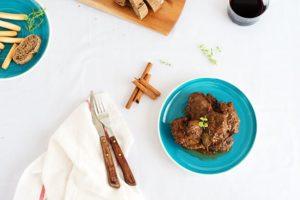 carrillada ibérica con salsa de canela